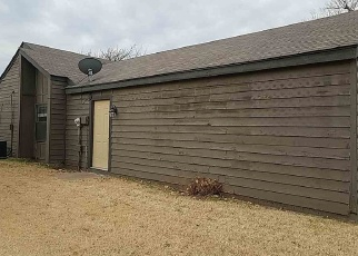 Foreclosed Home in SE BROWN ST, Lawton, OK - 73501