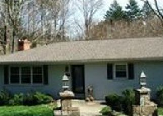 Foreclosed Home in VALLEY LN, Hockessin, DE - 19707