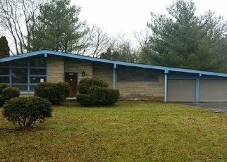 Foreclosed Home en GREEN HILLS LN MIDDLE DR, Indianapolis, IN - 46222