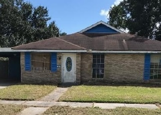 Foreclosed Home in VICTORIAN CT, Violet, LA - 70092