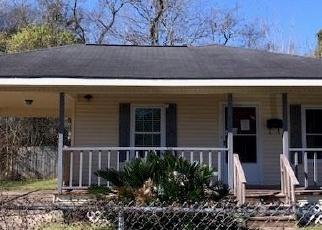 Foreclosed Home in WILBERT D ROCHELLE AVE, Jennings, LA - 70546