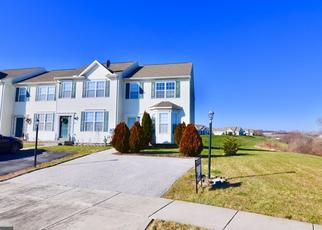Foreclosed Home en LEDGE DR, York, PA - 17408