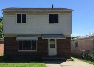 Foreclosed Home en LATHROP ST, Lansing, MI - 48912