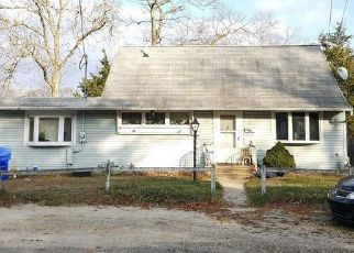Foreclosed Home in HARDING DR, Brick, NJ - 08724
