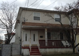 Foreclosed Home en 254TH ST, Rosedale, NY - 11422