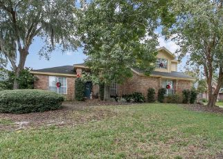 Foreclosed Home en BAY HARBOUR DR, Jacksonville, FL - 32225