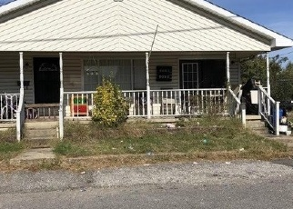 Foreclosed Home in SUNSET DR, Huntington, WV - 25704