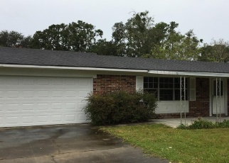 Foreclosed Home in WOODELM DR W, Jacksonville, FL - 32218