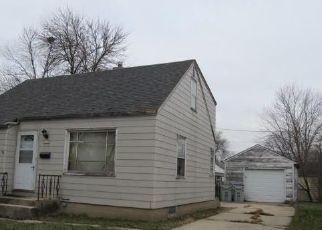 Foreclosed Home en W LUSCHER AVE, Milwaukee, WI - 53218