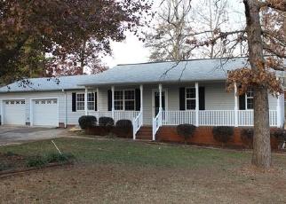 Foreclosed Home in DELLWOOD LN, Anderson, SC - 29621