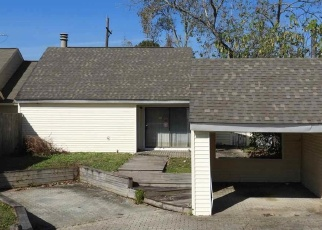 Foreclosed Home in ELVIN DR, Baton Rouge, LA - 70810