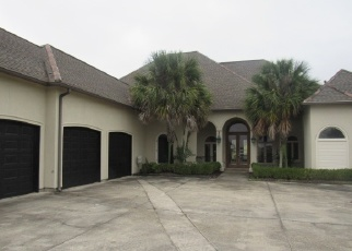 Foreclosed Home in LEXINGTON LAKES AVE, Baton Rouge, LA - 70810