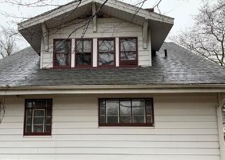 Foreclosed Home en FERNWOOD DR, Akron, OH - 44320