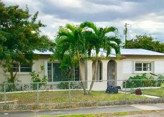 Foreclosed Home en NW 171ST TER, Opa Locka, FL - 33056
