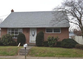 Foreclosed Home en COMMONWEALTH BLVD, Reading, PA - 19607