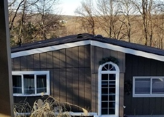 Foreclosed Home en MAPLE DR, New Milford, CT - 06776