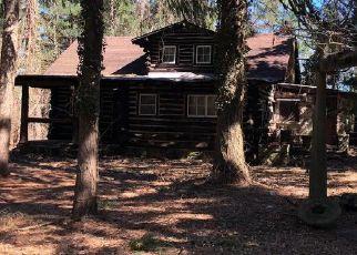 Foreclosed Home in PINEOAKA RD, Jackson, NJ - 08527