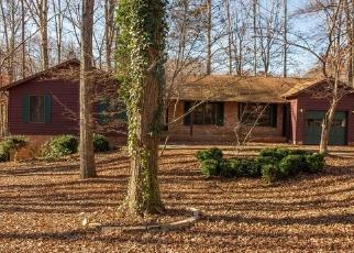 Foreclosed Home en CUMBERLAND CIR, Locust Grove, VA - 22508