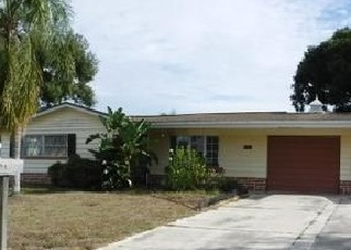 Foreclosed Home in COLUMBUS DR, Holiday, FL - 34691