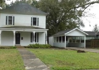 Foreclosed Home in 5TH ST, Jennings, LA - 70546