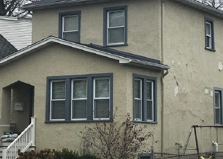 Foreclosed Home in GUNDERSON AVE, Berwyn, IL - 60402