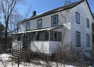 Foreclosed Home en ROUTE 9, Germantown, NY - 12526
