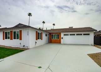 Foreclosed Home en GEDDES DR, San Diego, CA - 92117