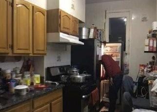 Foreclosed Home en 70TH AVE, Ridgewood, NY - 11385