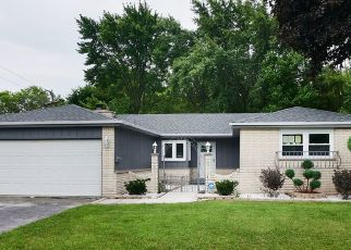 Foreclosed Home in 178TH PL, Lansing, IL - 60438