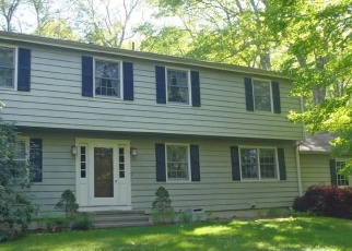 Foreclosed Home en SUMMER HILL RD, Madison, CT - 06443