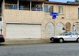 Foreclosed Home en CITY TERRACE DR, Los Angeles, CA - 90063