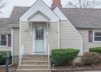 Foreclosed Home in RIVER DR, Lake Hiawatha, NJ - 07034