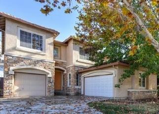 Foreclosed Home en BASTONA DR, Elk Grove, CA - 95758