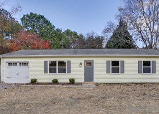 Foreclosed Home en MARGARET DR, Hayes, VA - 23072