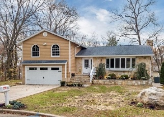 Foreclosed Home en DENNIS DR, New Rochelle, NY - 10804