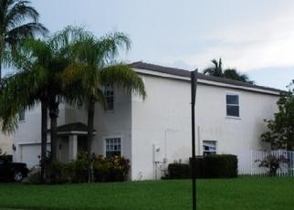 Foreclosed Home en RIVERMILL LN, Lake Worth, FL - 33463