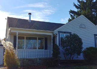 Foreclosed Home in CROSS RD, Mohegan Lake, NY - 10547