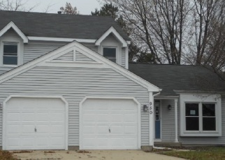 Foreclosed Home in HAWTHORNE DR, Crystal Lake, IL - 60014