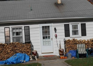 Foreclosed Home en LAKEVIEW AVE, Ellington, CT - 06029
