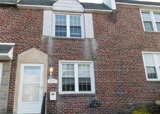 Foreclosed Home en W WYNCLIFFE AVE, Clifton Heights, PA - 19018