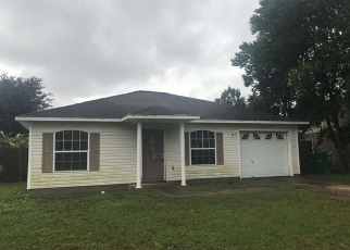 Foreclosed Home in MAPLEWOOD DR, Gulf Breeze, FL - 32563