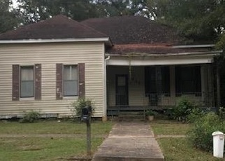 Foreclosed Home in 2ND ST, Mccomb, MS - 39648
