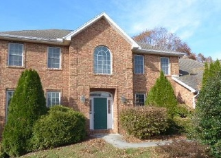 Foreclosed Home en CASTLEGREEN DR, Greencastle, PA - 17225