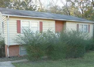 Foreclosed Home en ROSEWOOD LN, Danville, VA - 24541
