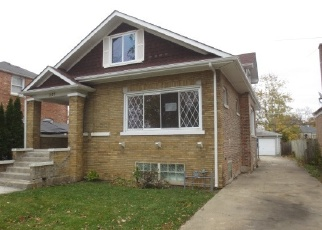Foreclosed Home en MARSHALL AVE, Bellwood, IL - 60104