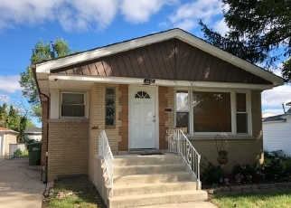Foreclosed Home en W 99TH ST, Evergreen Park, IL - 60805