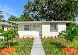 Foreclosed Home en NW 52ND ST, Miami, FL - 33142