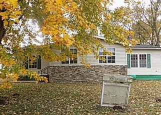 Foreclosed Home in S 2ND ST, Mulberry Grove, IL - 62262