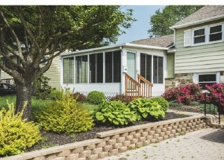 Foreclosed Home en TULIP RD, Warminster, PA - 18974