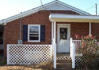Foreclosed Home in SHORT CUT LN, Clinton, NC - 28328